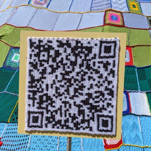 QR-Code der Seite www.nv-entdecken.de am Stricktipi auf der Landesgartenschau  ©